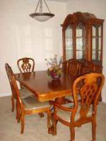 7 Peice Dining Set w/China Cabinet - $1000 (Houma)
