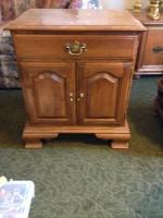 Ethan Allen End Table/Nightstand - $150 (Chillicothe)