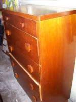 mahogany chest of drawers - $25 (Enid)