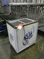 Reddi Whip Freezer model SC-142 110 volt Glass Doors on Top - $250 (Lawrenceburg, Tn)